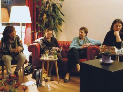 """Sprecherinnen beim Erzählcafe """"Frauen – Körper – Autonomie"""""""